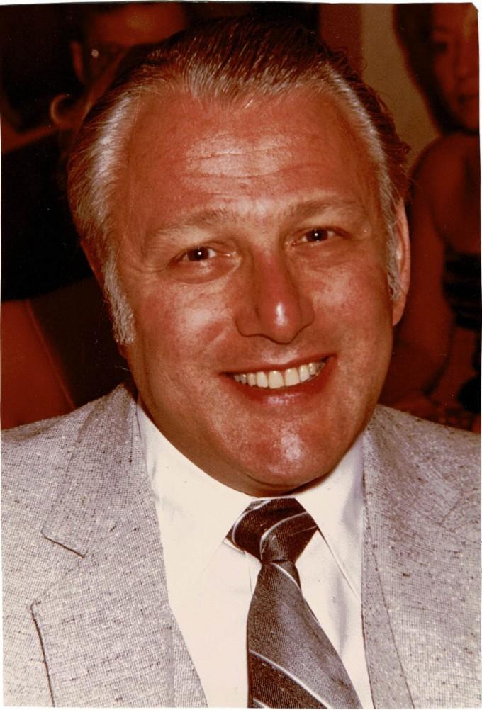 Milton Mandel